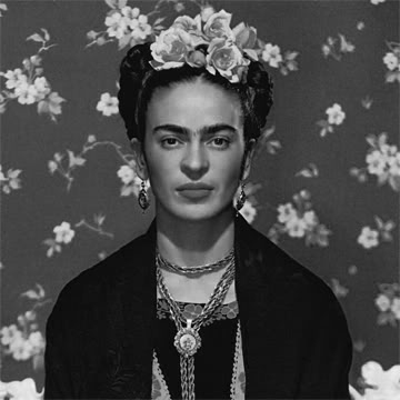 fridakahlo_vogue-larger-bw