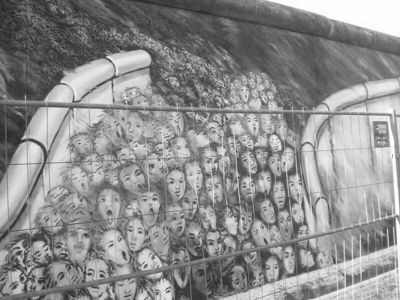berlin-mural-3-bw